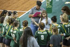 Midland College head coach Tammie Jimenez talks with her players between games 08/24/19 as they take on Western Texas College in the Midland College Kickoff Classic at the Chaparral Center. Tim Fischer/Reporter-Telegram