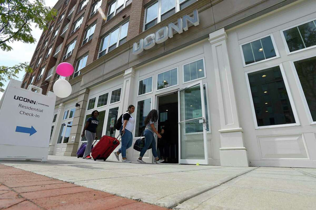 UConn Stamford students move into their dorm apartments on August 25, 2018.