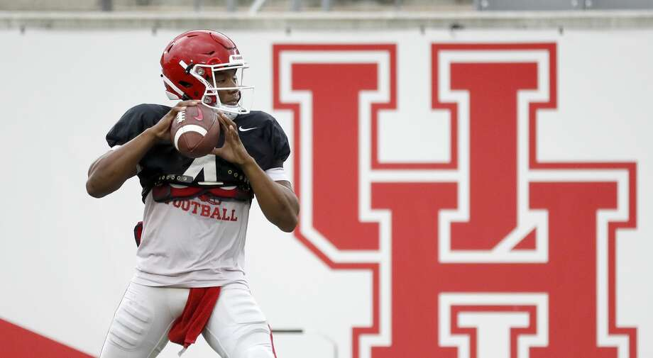 "PHOTOS: Houston-area college football players to watch for 2019  Houston Cougars quarterback D'Eriq King (4) warms up during the University of Houston's ""Friday night lights"" spring football practice, Friday, April 12, 2019, in Houston. >>>Browse through the gallery for a look at the 10 players to keep an eye on ...  Photo: Karen Warren/Staff Photographer"