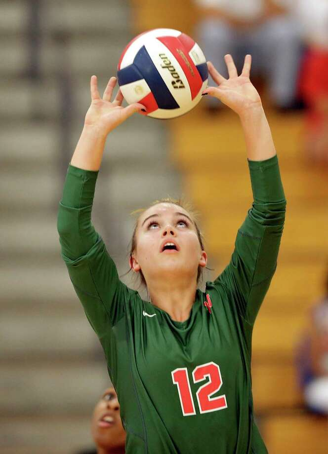 The Woodlands setter Clara Brower helped her team to a third-place finish at the Leander Volleypalooza over the weekend. Photo: Michael Wyke / Contributor / © 2018 Houston Chronicle