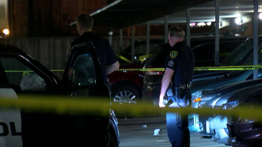 Police are searching for suspects after two men were shot while playing basketball at a northwest Houston apartment complex. Photo: On Scene
