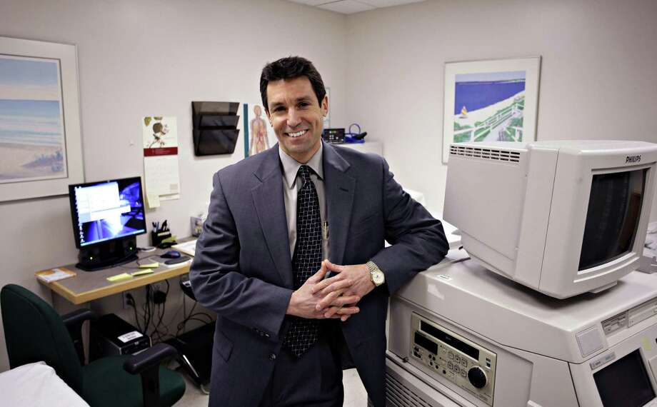 "Derby-- Dr. David L. Katz in the Prevention Research Center lab at Griffin Hospital. Katz has written a book ""The Flavor Point Diet."" Photo-Peter Casolino Photo: /"