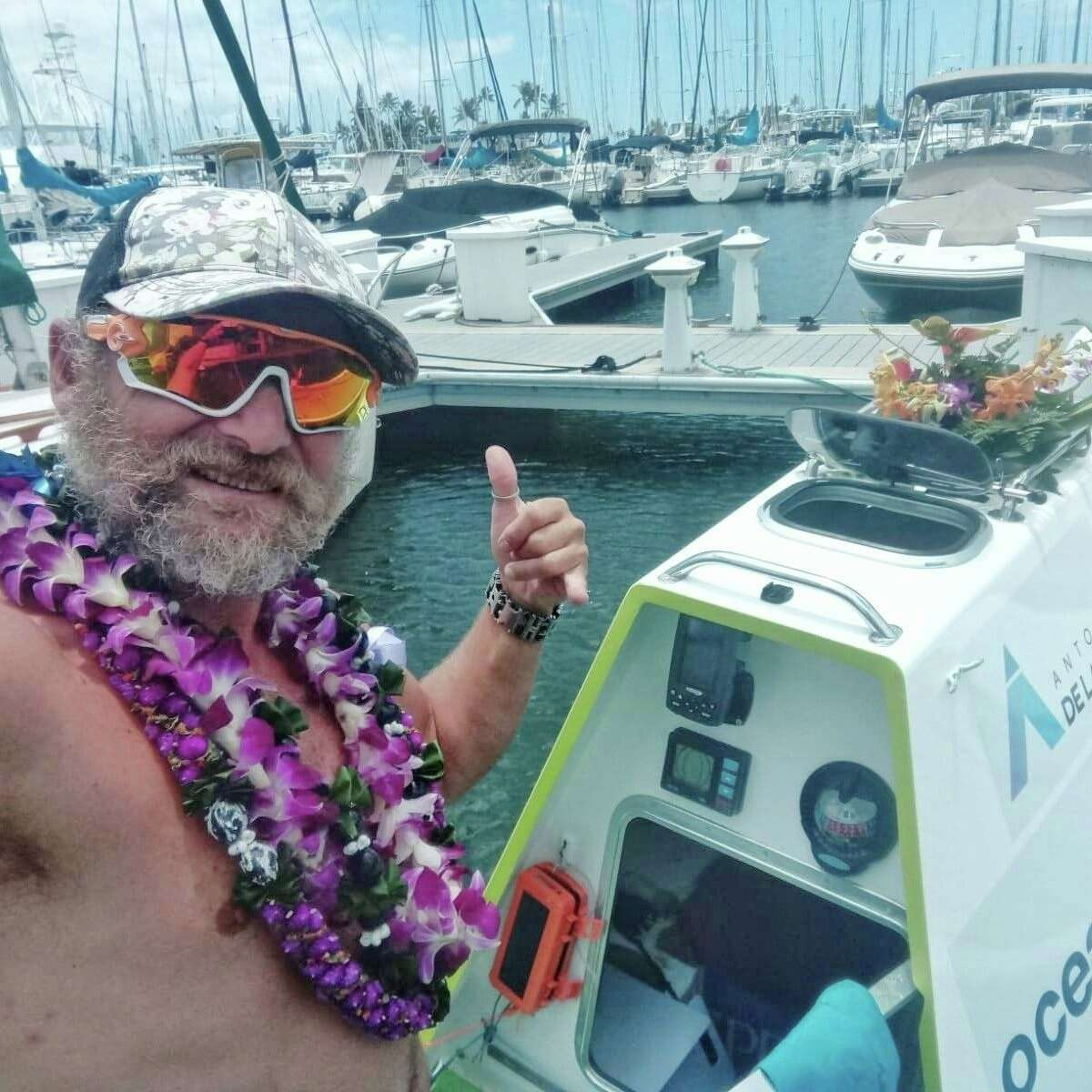 50-year-old Antonio de la Rosa was the first to navigate across the Pacific Ocean on a stand-up paddleboard.
