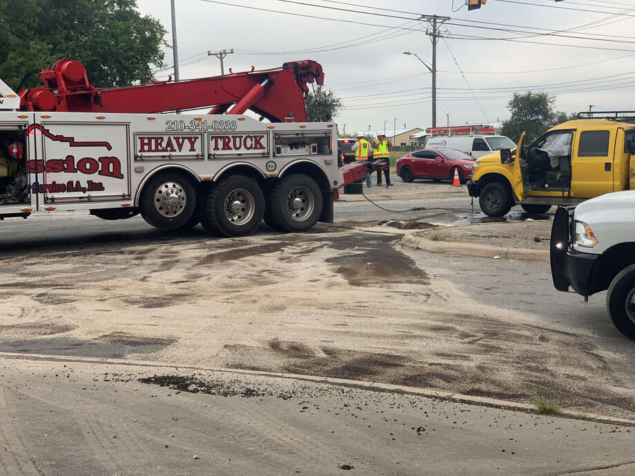 A cement truck rolled over Monday morning eastbound on Loop 1604, causing traffic delays near the Lockhill Selma Road exit on the city's Northwest Side.  Photo: Priscilla Aguirre