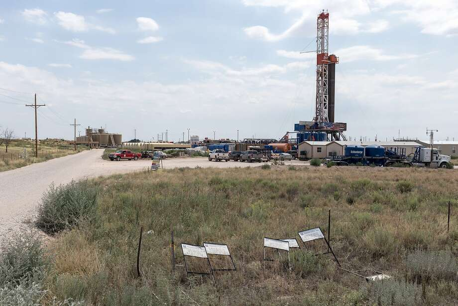 State economists on Friday revised upward forecasts for state government income amid surging oil and natural gas production in New Mexico, giving lawmakers greater leeway as they begin crafting a general fund spending plan for the coming fiscal year. Photo: Steven St John, Bloomberg