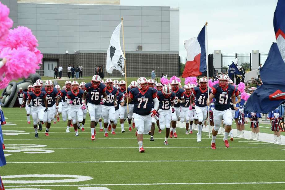The Lamar Texans take the field for a high school football game with the Bellaire Cardinals on Saturday, October 20, 2018 at Delmar Stadium, Houston, TX. Photo: Craig Moseley, Houston Chronicle / Staff Photographer / ©2018 Houston Chronicle