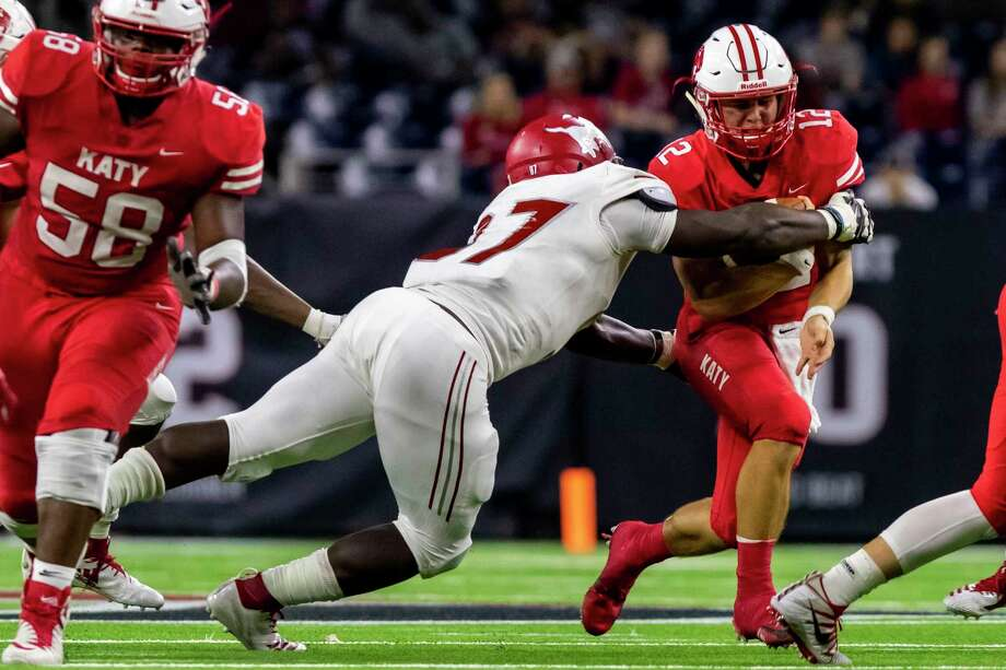 Katy guard Dakota White (58) returns to help protect quarterback Bronson McClelland (12) this season. White is a three-star college recruit who is verbally committed to Louisiana Tech. Photo: Joe Buvid, Houston Chronicle / Contributor / © 2018 Joe Buvid