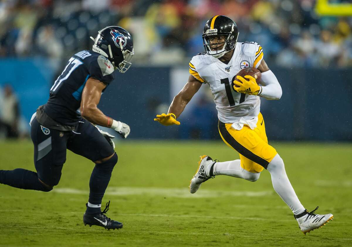 Week 3 vs. Pittsburgh Steelers Buy tickets NASHVILLE, TN - AUGUST 25: Pittsburgh Steelers wide receiver JuJu Smith-Schuster (19) runs past Tennessee Titans defensive back Amani Hooker (37) during a game between the Tennessee Titans and Pittsburg Steelers on August 25, 2019, at Nissan Stadium in Nashville, TN. (Photo by Bryan Lynn/Icon Sportswire via Getty Images)