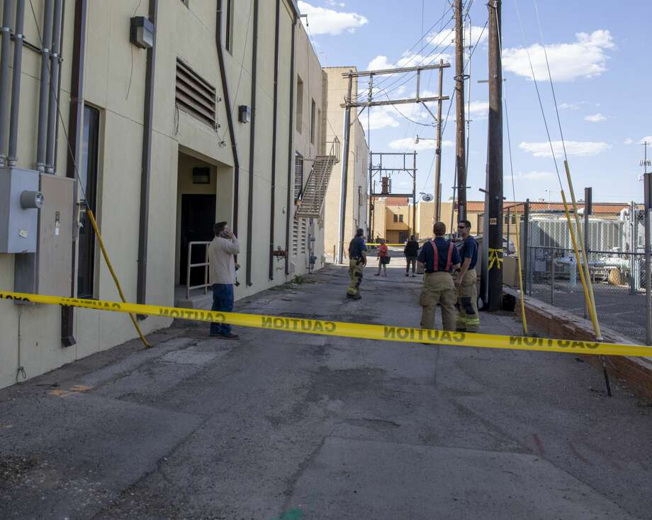Downtown Midland had a power outage on Monday, August 26, 2019, when a utility pole caught fire. Oncor was working to restore power to the area. Photo: Jacy Lewis/Reporter-Telegram