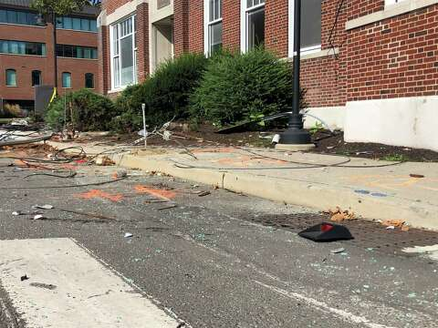 Police identify two killed, four injured in Stamford car