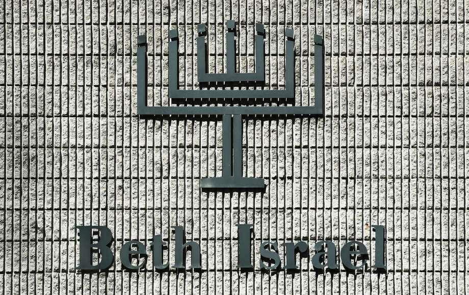 The exterior of Beth Israel Synagogue Thursday,, April 4, 2019, in Norwalk, Conn. Photo: Erik Trautmann / Hearst Connecticut Media