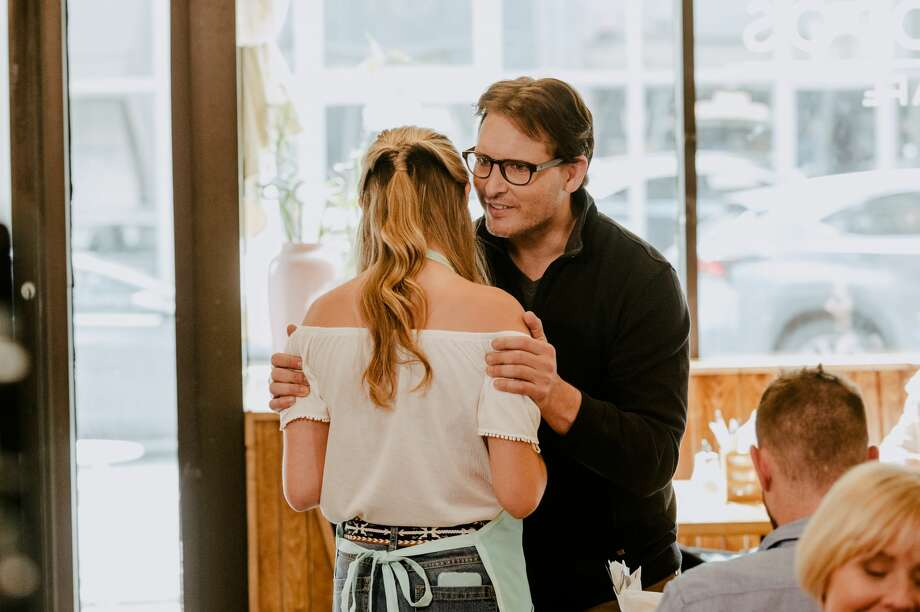 """Peter Facinelli stars as Keith Raniere in Lifetime's feature """"Escaping The NXIVM Cult: A Mother's Fight to Save Her Daughter"""", premiering Saturday, September 21. Photo: Richard Knapp/Lifetime"""