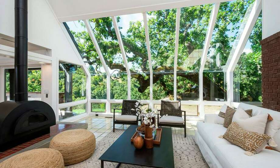 With their expansive windows, unique angles and extensive use of natural light, Marin-based real estate photographer Kurt Lai said Eichlers are his favorite type of home to photograph. Photo: Kurt Lai Photography / © Kurt Lai