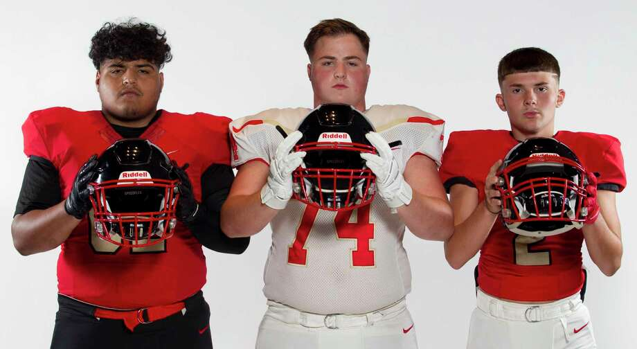 Caney Creek's (from left) Jonathan Reyes, Cameron Barr and Isaiah Mendoza. Photo: Jason Fochtman, Houston Chronicle / Staff Photographer / Houston Chronicle