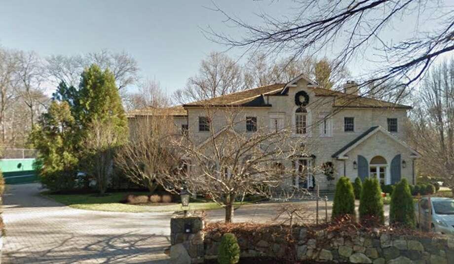 18 Pinecroft Rd:Thomas E. Mcauley to Joshus and Morgan Caspl $4,050,000 Photo: Google Maps