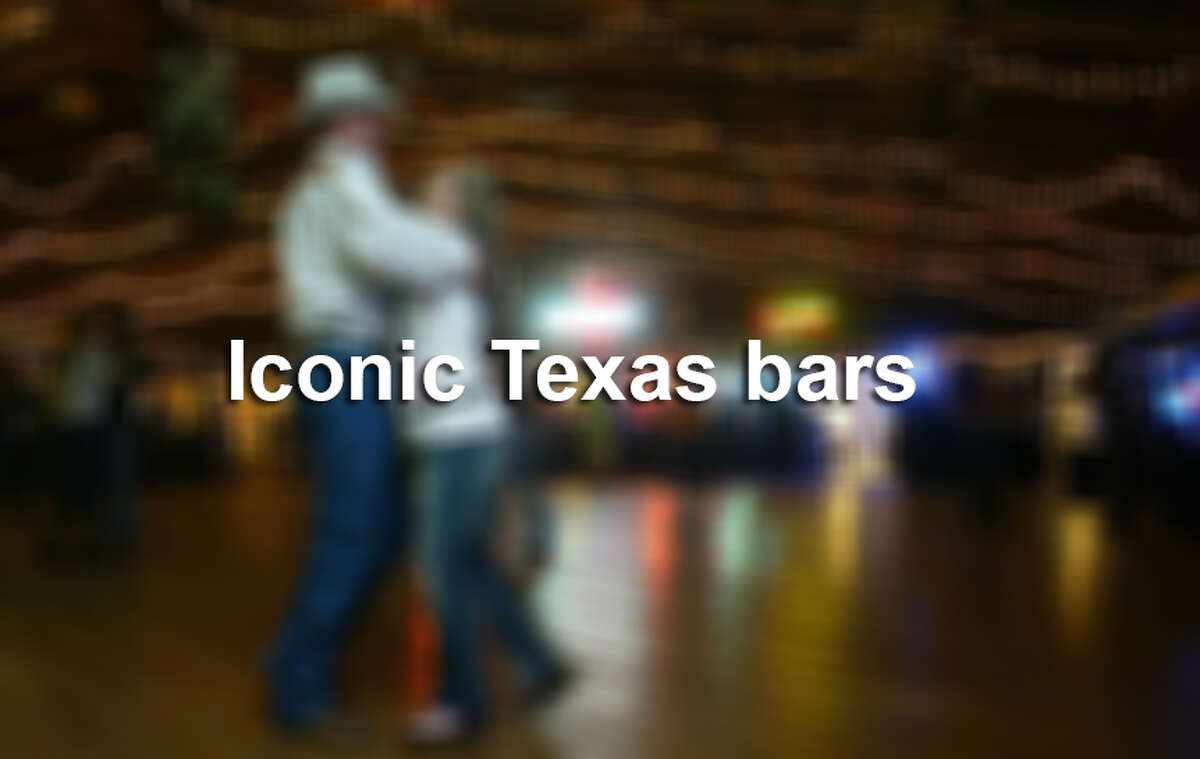 Iconic Texas bars you should visit.
