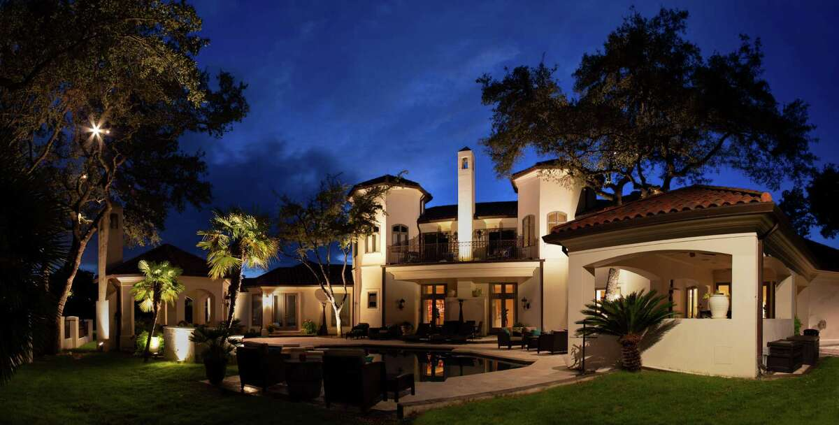 Properly designed and installed, outdoor lighting can extend your home's outdoor living space and enhance it aesthetically while at the same time avoiding the glare of poorly positioned lights.