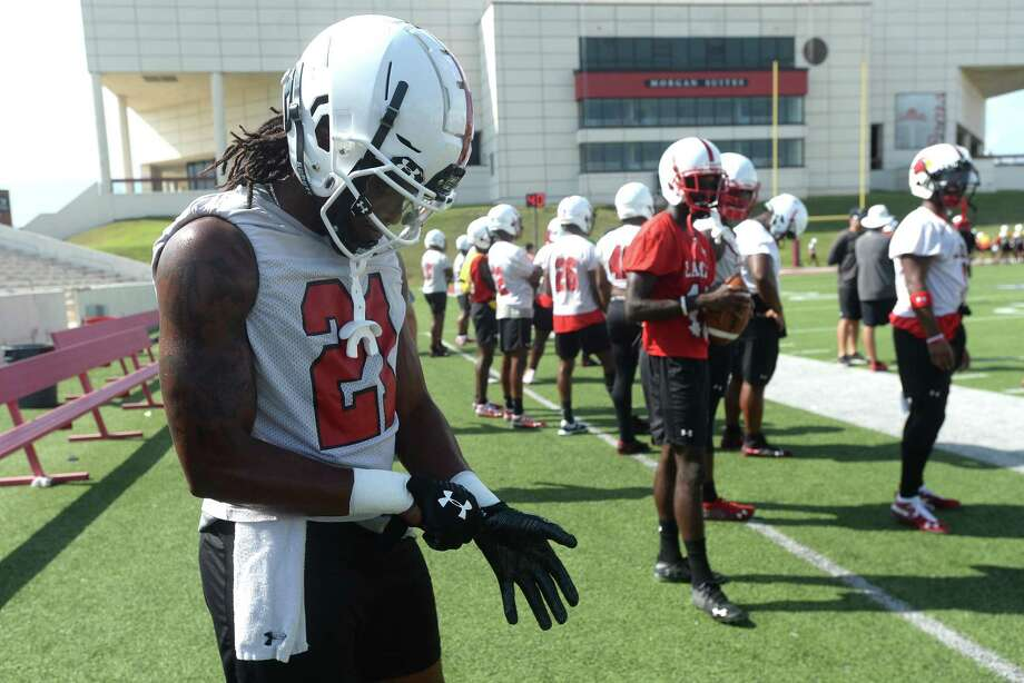 Lamar Cardinals get in practice Tuesday as they prepare for Thursday's season opener at home against Bethel. Photo taken Tuesday, August 27, 2019 Kim Brent/The Enterprise Photo: Kim Brent / The Enterprise / BEN