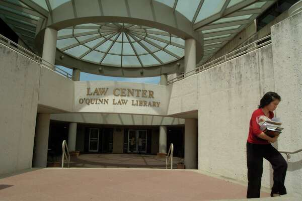 """The University of Houston Law Center's """"People's Law School,"""" a place that offered free legal education to the community for nearly three decades, ends its in-person courses and will transfer all programming online. The last in-person class on Saturday, Oct. 5, 2019, will address the ways people can deal with problems caused by Tropical Storm Imelda. A major decline in enrollment prompted the change from in-person to online courses."""