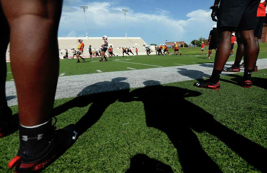 Lamar Cardinals get in practice Tuesday as they prepare for Thursday's season opener at home against Bethel. Photo taken Tuesday, August 27, 2019 Kim Brent/The Enterprise Photo: Kim Brent, The Enterprise / BEN