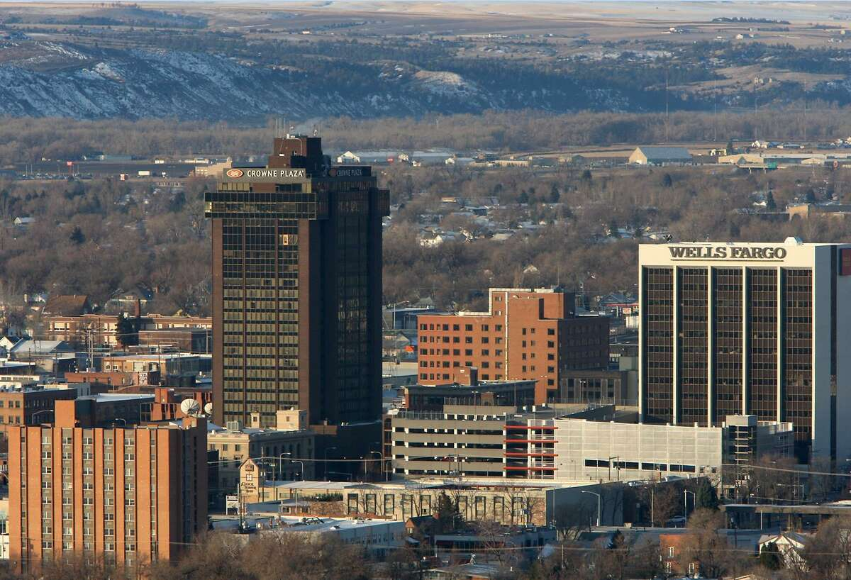 #26. Montana - State population of 18-to-24 year-olds: 85,932 (0.29% of young Americans) - 18-to-24-year-old enlistees with no prior experience: 455 (0.29% of young American enlistees) - Representation ratio: 0.98 This slideshow was first published on theStacker.com