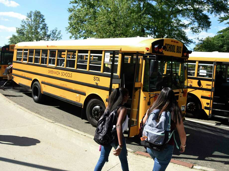 Students are dismissed on the first day of school at Greenwich High School in Greenwich, Conn. Thursday, Aug. 29, 2019. Photo: Tyler Sizemore / Hearst Connecticut Media / Greenwich Time