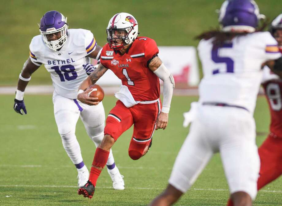 Lamar's Jordan Hoy carries the ball down the field during the first half at Lamar's season opener against Bethel University Thursday in Provost Umphrey Stadium. Photo taken on Thursday, 08/29/19. Ryan Welch/The Enterprise Photo: Ryan Welch, Beaumont Enterprise / The Enterprise / © 2019 Beaumont Enterprise
