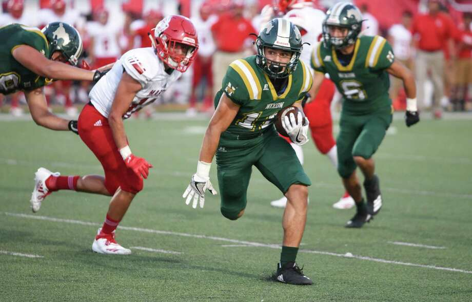 Martin and Nixon meet for the 53rd time at 7:30 p.m. Friday at Shirley Field to open the 2019 football season. Photo: Danny Zaragoza / Laredo Morning Times