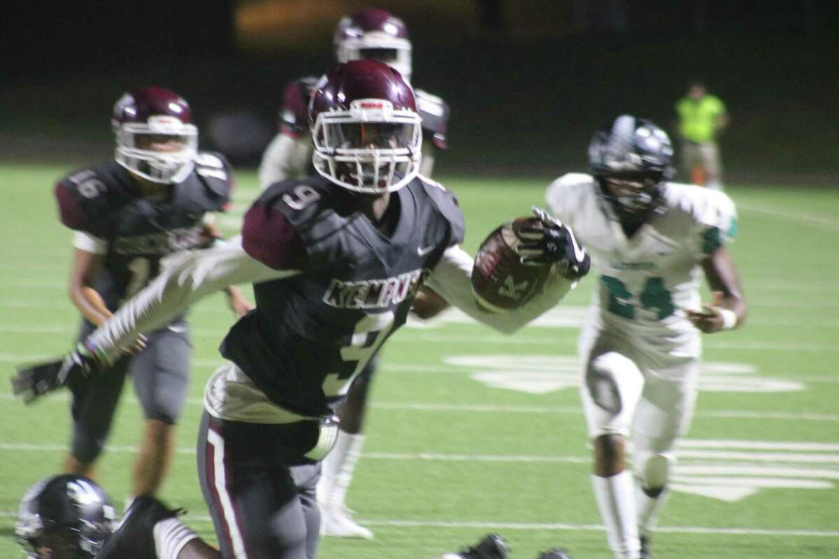 Kempner's Jordan Verge scores the knockout punch Thursday night, giving the Cougars a 14-0 lead just before the end of the third quarter.