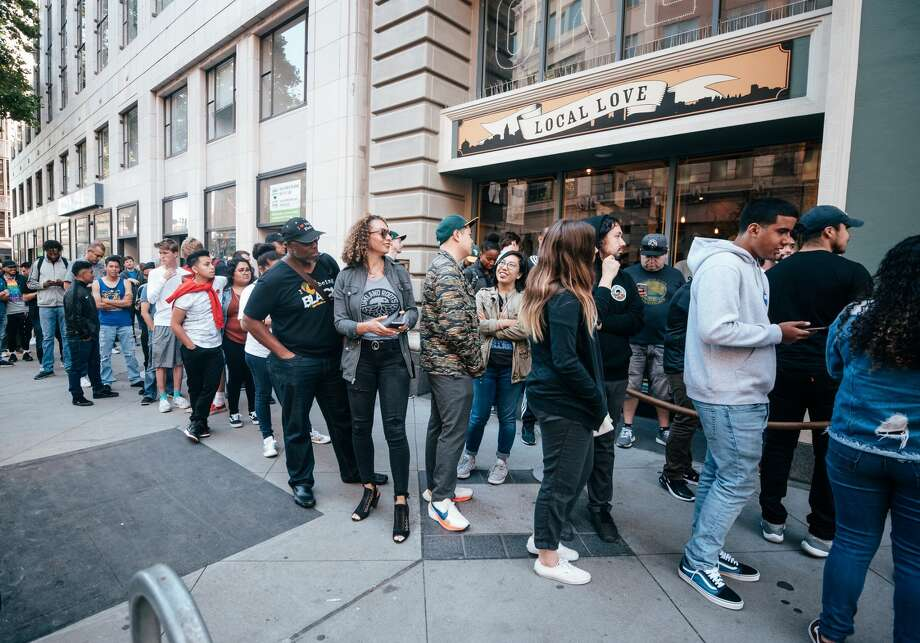 A long line waits to enter the Oaklandish downtown Oakland store on June 28, 2019 for the Oakland Roots jersey unveiling. Photo: Courtesy Oakland Roots SC