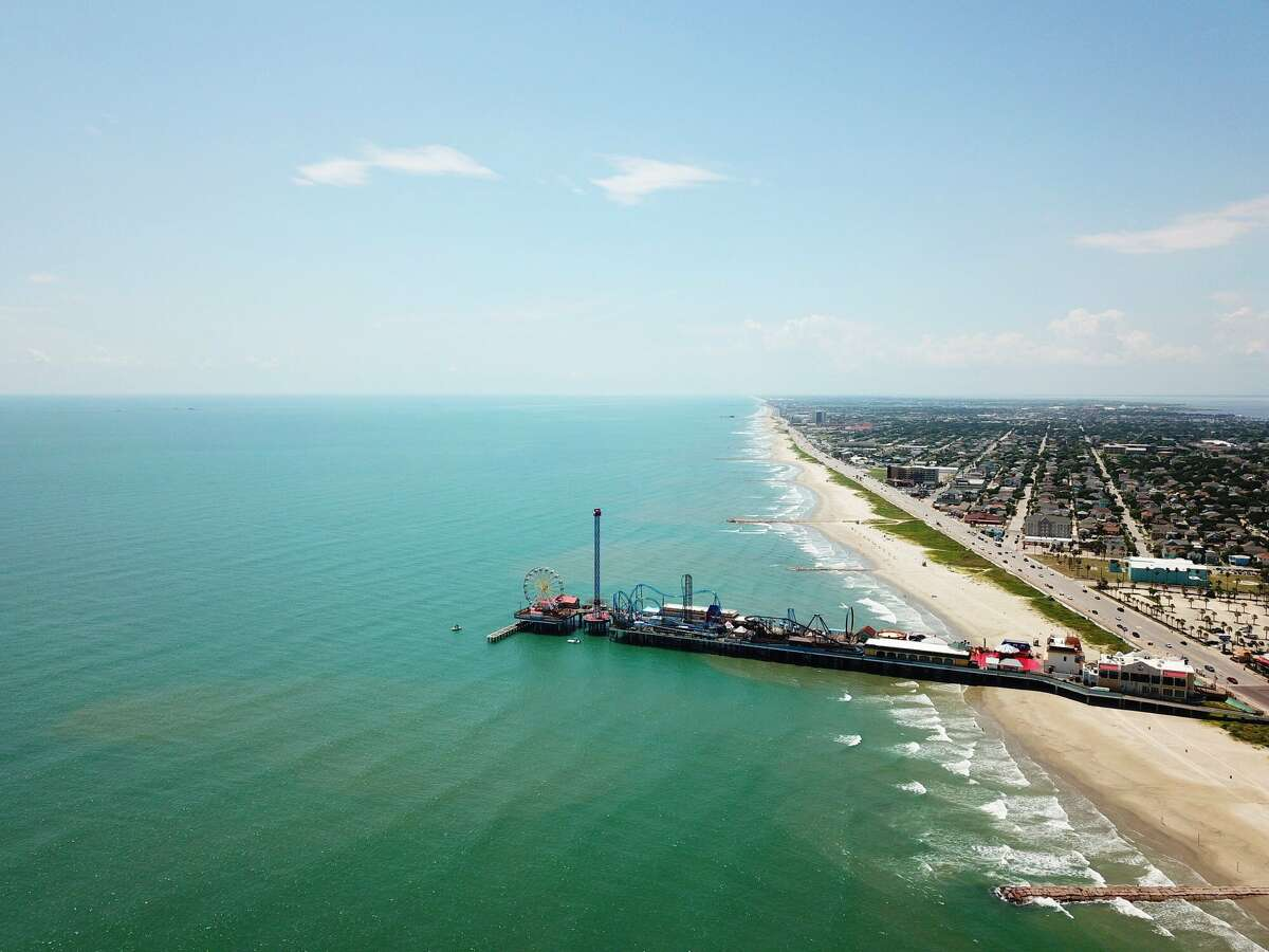 Blue water has returned to Galveston island for the second time this summer, just in time for a perfect Labor Day weekend.