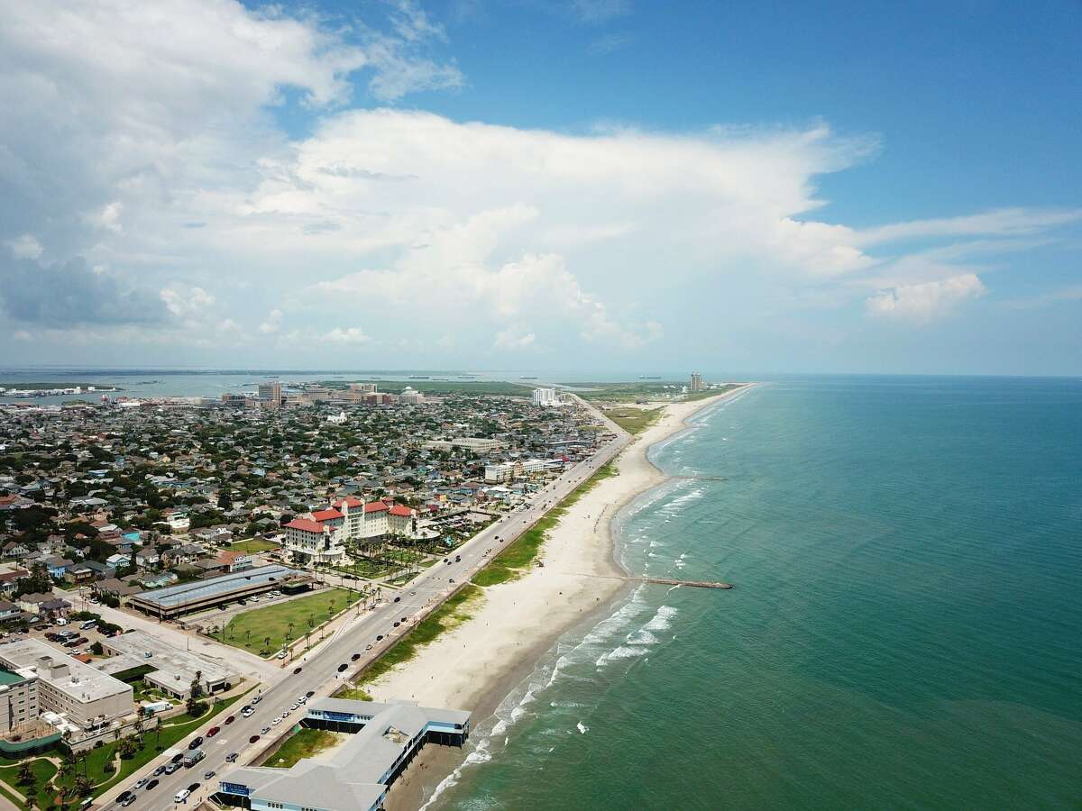 Houstonians looking to spend Labor Day soaking up the blue water should act fast. The almost crystal-clear water never stays long; the last time Galveston Island was immersed in blue was in late July.