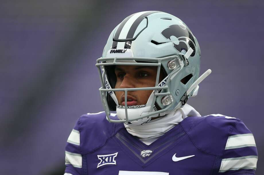 PHOTOS: College football players from the Houston area to watch in 2019  Kansas State grad transfer Alex Delton will start at quarterback. >>>Here are 10 college football players from the Houston area to keep an eye on for the 2019 season ...  Photo: Icon Sportswire/Icon Sportswire Via Getty Images