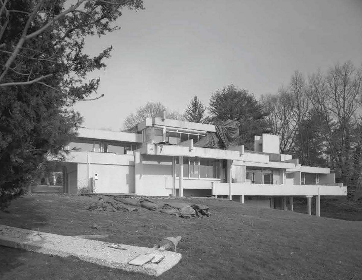Paul Rudolph's Louis Micheels House, on Minute Man Hill in Westport is a lost example of Modern architecture in Connecticut.