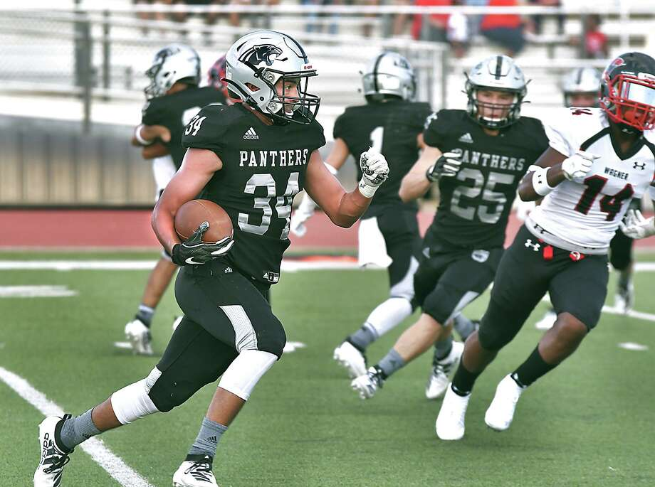 United South players continue showing up at 6:30 a.m. each day and are ready for their first win. Photo: Cuate Santos /Laredo Morning Times / Laredo Morning Times