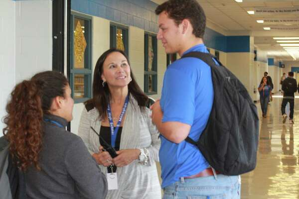 HISD growing, tweaking program to help students outside