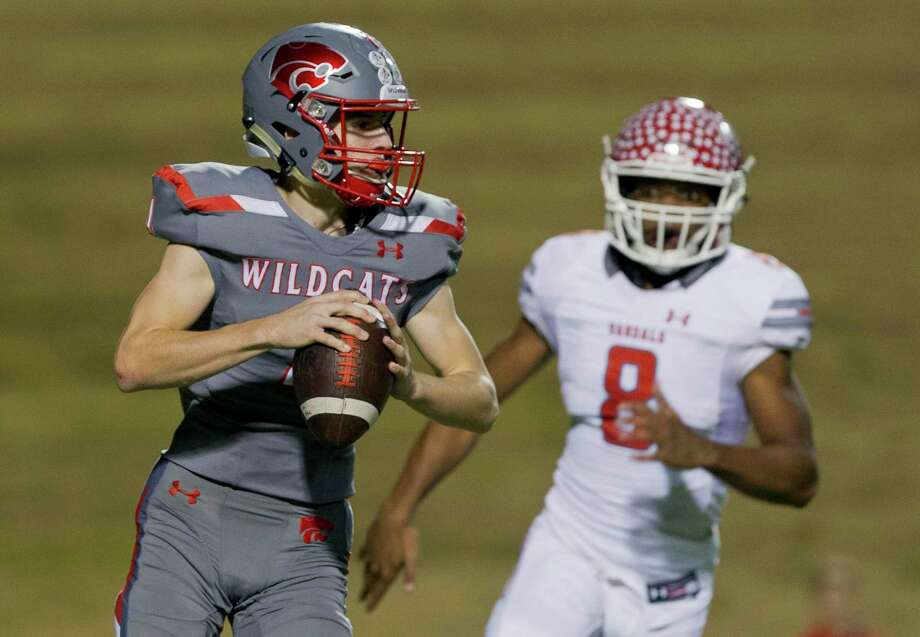 Splendora quarterback Cody Thorndyke (4), shown here during the playoffs last November, threw a fourth quarter touchdown pass to Dylan Matthews as the Wildcats beat Houston Sterling 35-27 at Barnett Stadium Saturday night. Photo: Jason Fochtman, Houston Chronicle / Staff Photographer / © 2018 Houston Chronicle
