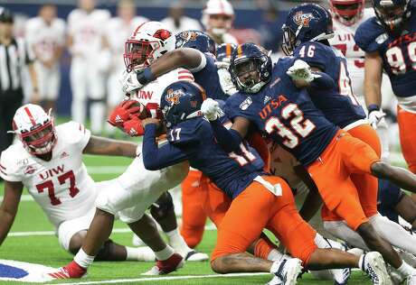 """UTSA's defense will have its hands full against Army's triple-option offense. """"They're a tough, physical team, but so are we,"""" UTSA defensive end Jarrod Carter-McLin said."""