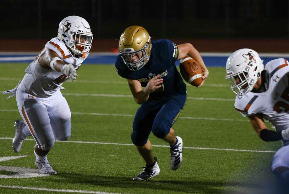 Alexander receiver Junior Rodriguez has 279 receiving yards and three touchdowns this season. Photo: Danny Zaragoza /Laredo Morning Times