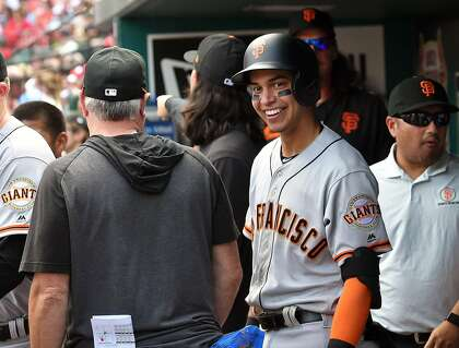 Giants' Mauricio Dubon displays high baseball IQ