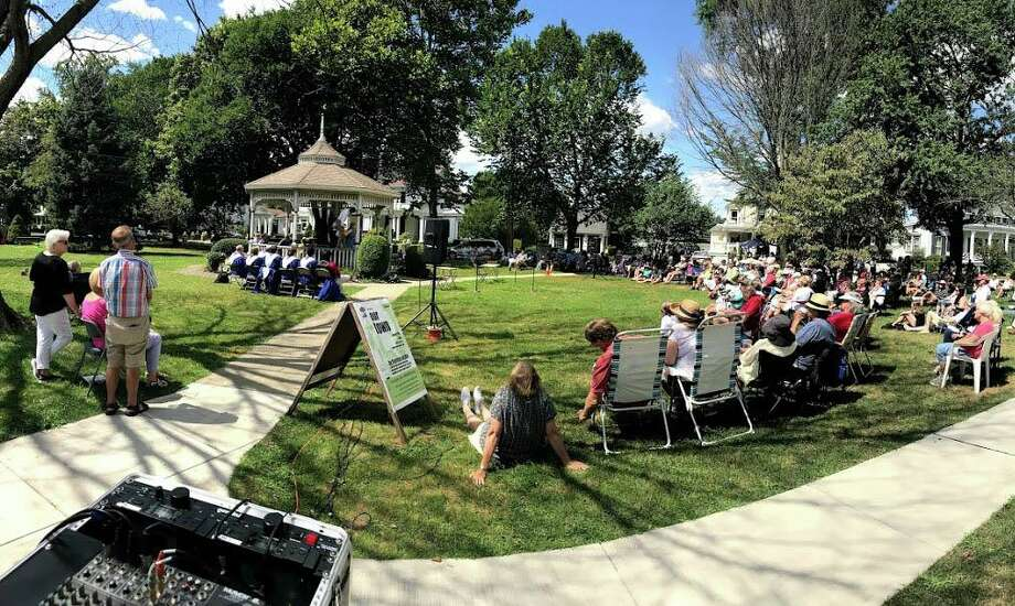 The Milford Green is filled with spectators for the staged reading of Our Town Aug. 24, 2019. Photo: Ann Baker / Contributed Photo
