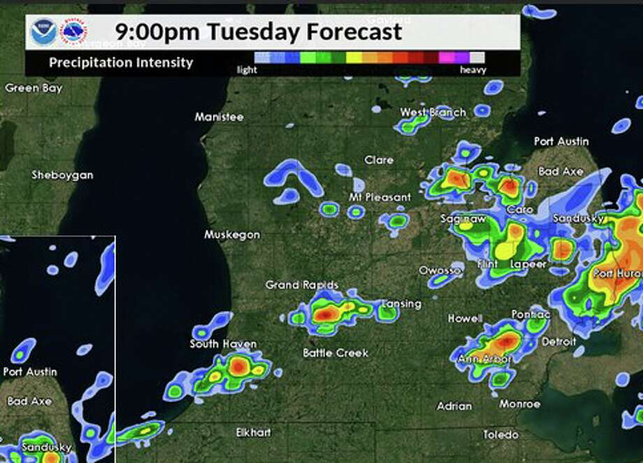 Anticipated storm movement at 9 p.m. Tuesday.  Photo: Nation Weather Service Grand Rapids