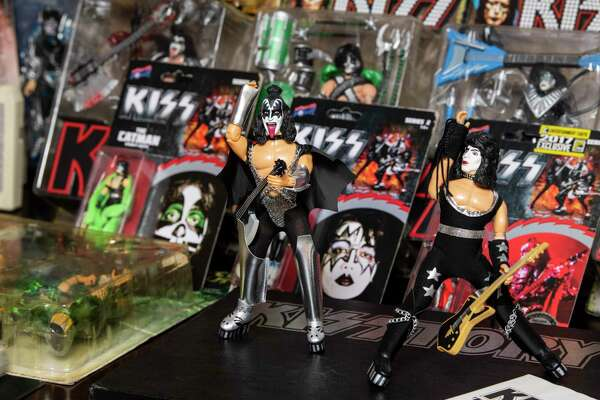 San Antonio Kiss fans share memories before the band's