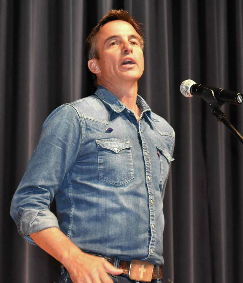 """Decorated U.S. Army Rangers veteran Keni Thomas was the featured speaker for Needville ISD's annual convocation, which took place last week. Thomas is an author and musician who was a member of the """"Black Hawk Down"""" Mission made famous by the movie of the same name. Photo: Needville ISD / Needville ISD"""