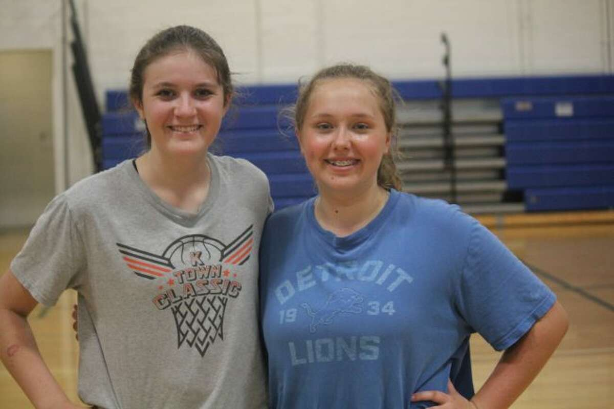 Katie Rueffer and Carly Dellar of Evart volleyball.