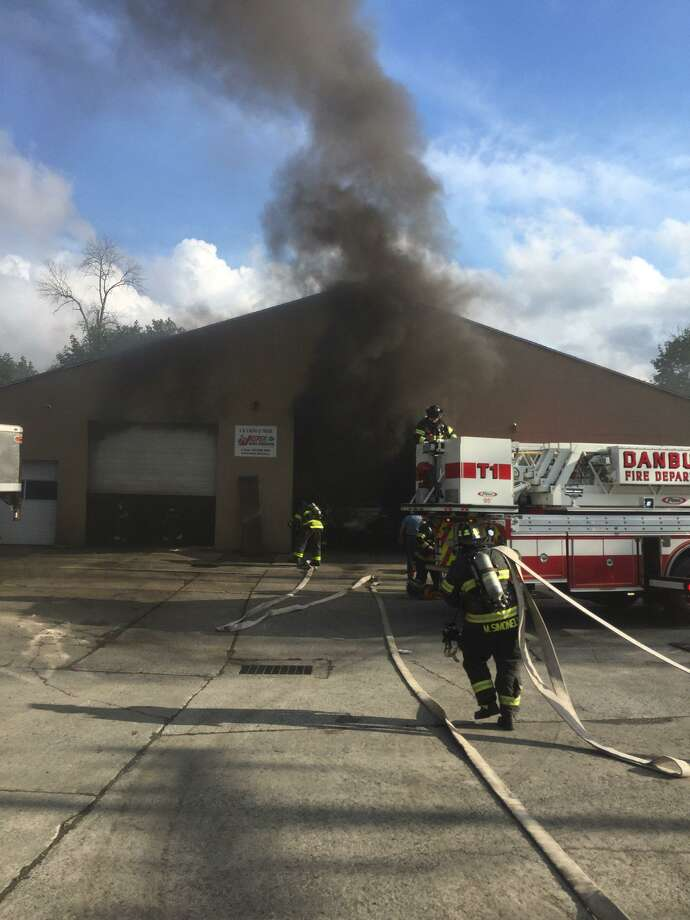 C And S Auto >> Danbury Auto Shop In Cleanup Mode After Labor Day Fire