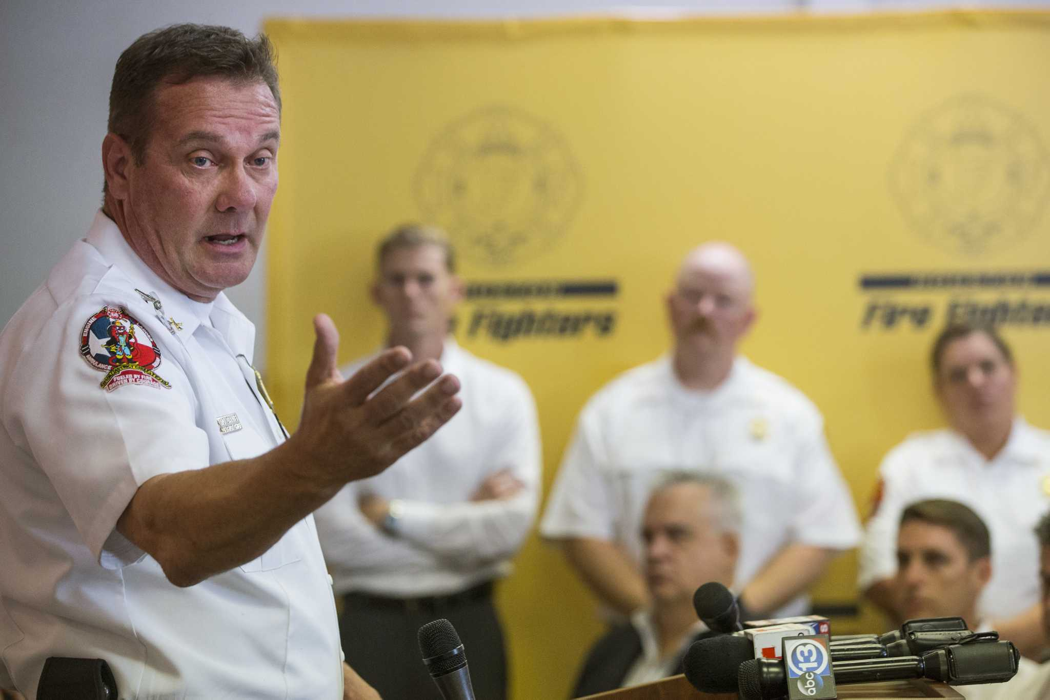 Firefighters plan 'no confidence' vote on Chief Peña