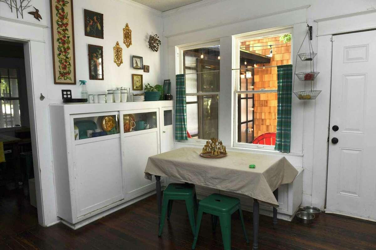 1927 Alta Vista home gets modern addition in San Antonio