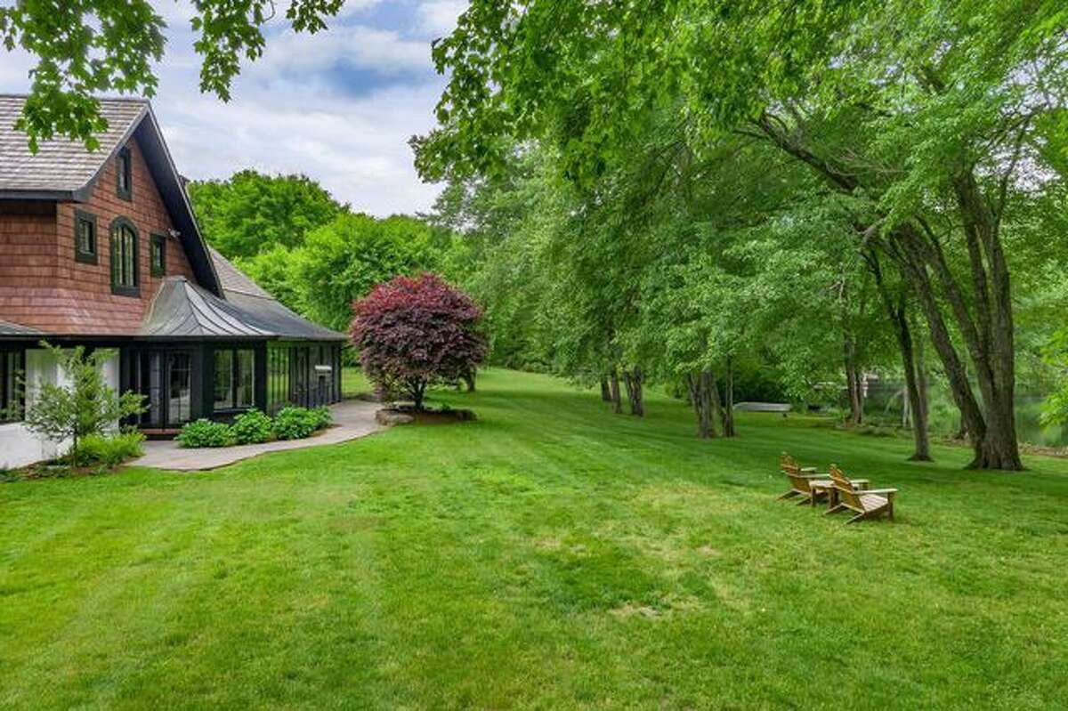 The news anchor is parting ways with this NY country house.