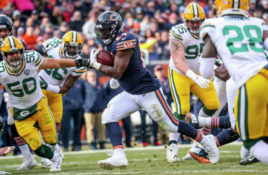 Chicago Bears running back Jordan Howard (24) runs the ball in for a touchdown during the first half against the Green Bay Packers on Sunday, Dec. 16, 2018 at Soldier Field in Chicago. The Bears and Packers will face off in the first game of the NFL's 2019 season on Thursday, Sept. 5, 2019 at Soldier Field. Photo: Armando L. Sanchez / TNS / Chicago Tribune